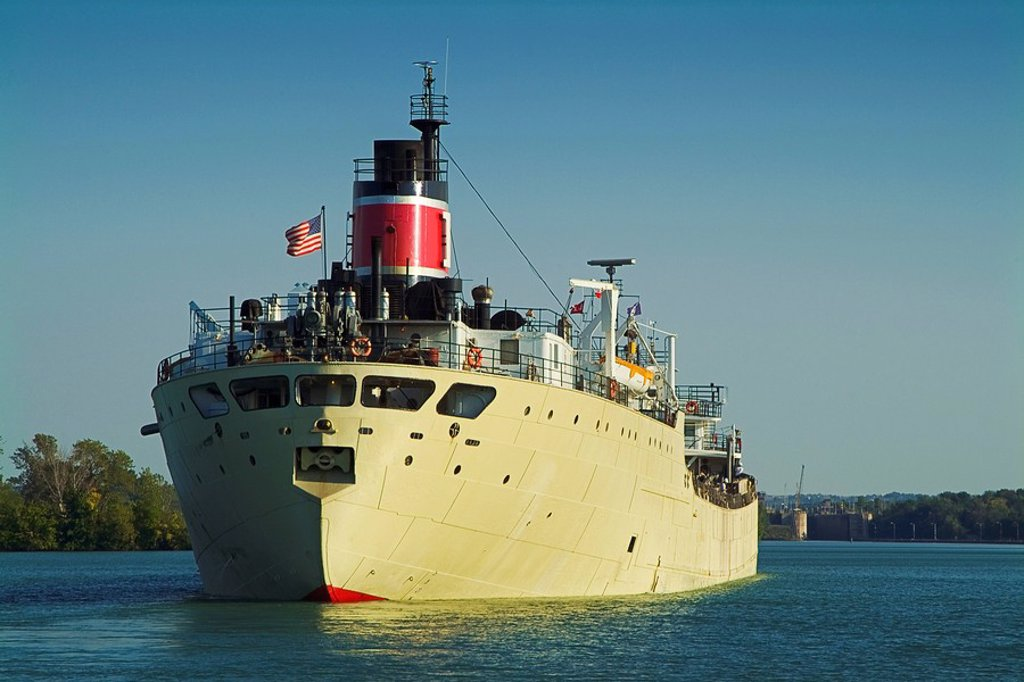 Ship in Welland Canal, St Catharines, Ontario, Canada : Stock Photo
