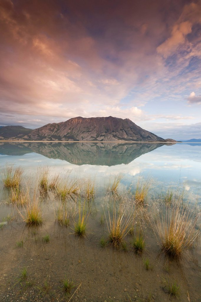 Stock Photo: 1990-46849 Klaune Lake and Tachal Dhal Sheep Mountain, Kluane National Park and Reserve, Yukon Territory, Canada
