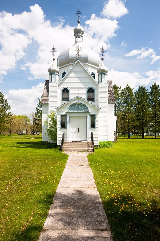 Stock Photo: 1990-48836 St. Michael´s Ukrainian Greek Orthodox Church, Gardenton, Manitoba, Canada