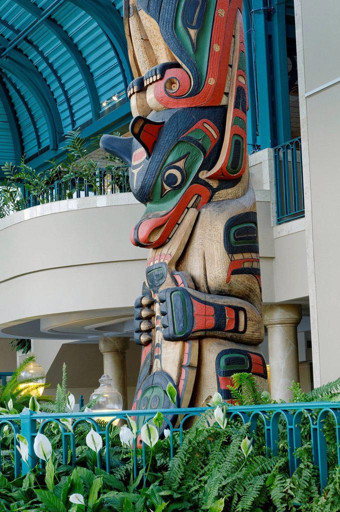 Totem Pole, the Victoria Conference Centre, Victoria, British Columbia, Canada : Stock Photo