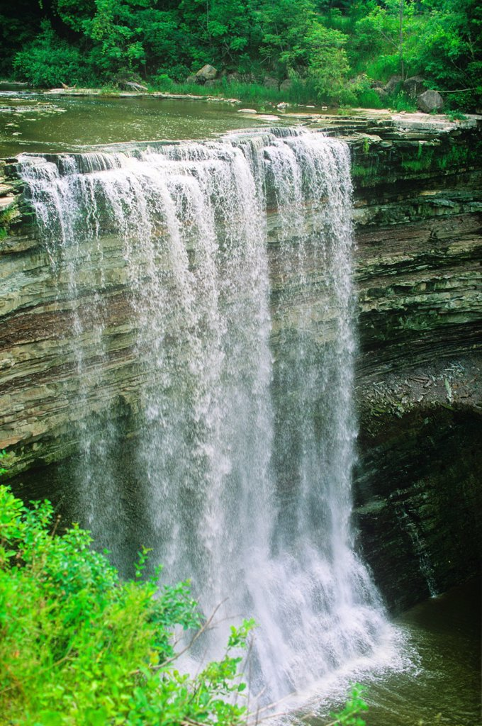 Stock Photo: 1990-49474 Lower Falls, Balls Falls Heritage Conservation Area, Jordan, Ontario, Canada
