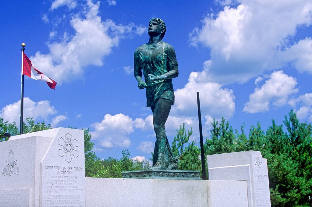 Stock Photo: 1990-50096 Terry Fox Monument, Thunder Bay, Ontario, Canada