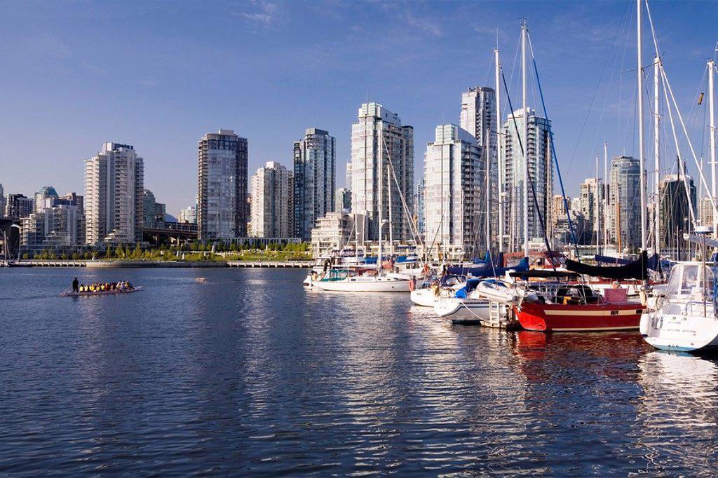 Boat marina in False Creek and downtown condominiums, Vancouver, British Columbia, Canada : Stock Photo