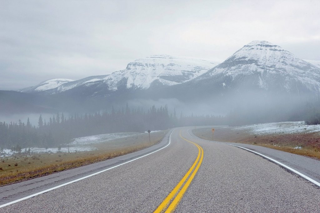 Stock Photo: 1990-54004 Highway 66, Elbow Valley, Kananaskis Country, Alberta, Canada