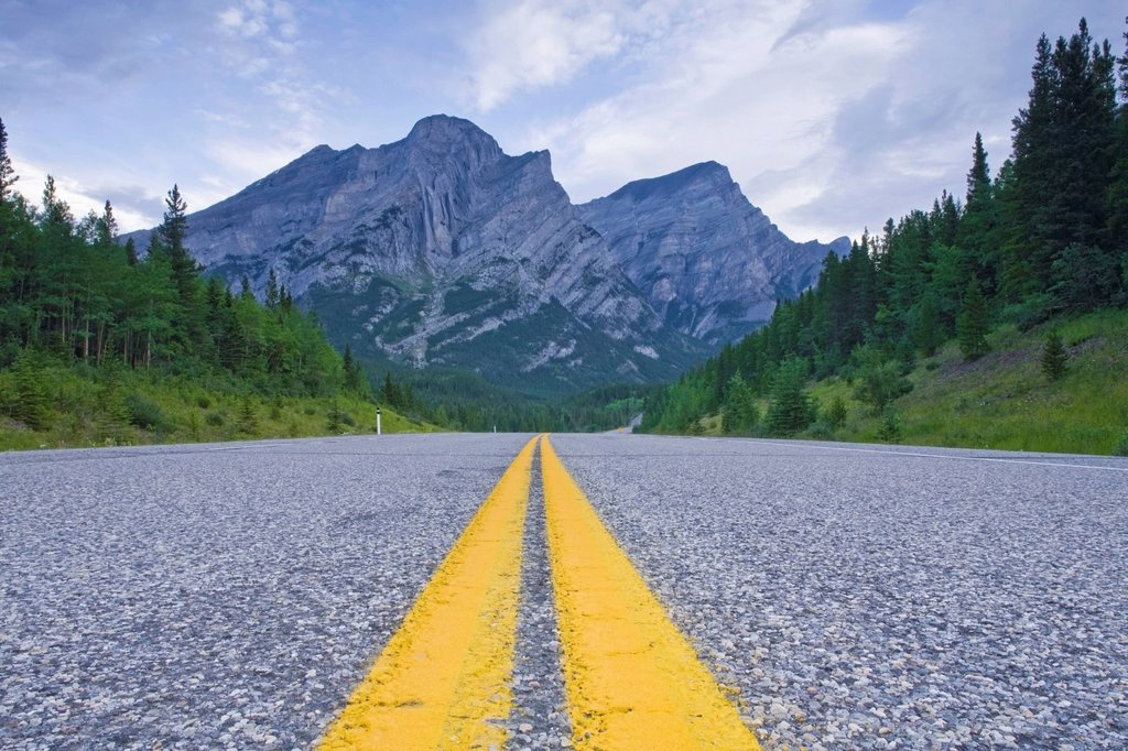 Highway in Kananaskis : Stock Photo
