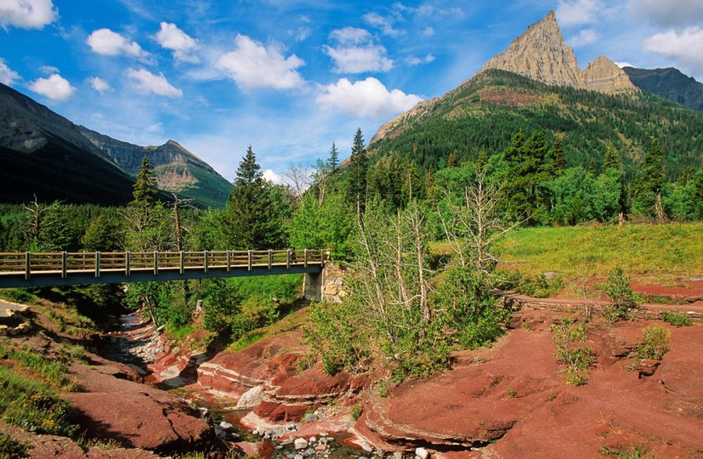 Stock Photo: 1990-5654 Red Rock Canyon Loop Trail in Waterton-Glacier International Peace Park, Alberta, Canada