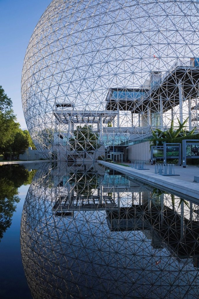The Biosphere museum at dawn at Jean_Drapeau Park on Ile Sainte_Helene, Montreal, Quebec, Canada. : Stock Photo