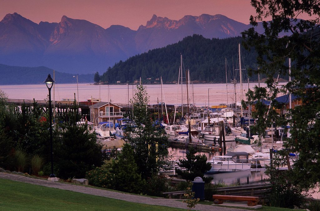 Stock Photo: 1990-58144 Gibsons Harbour in evening, Sunshine Coast, British Columbia, Canada