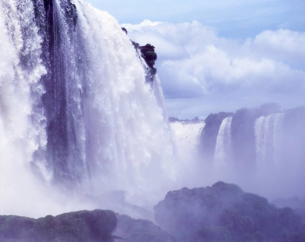 Stock Photo: 1990-68891 Iguazu Falls, Brazil