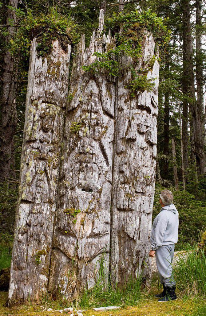 Kiusta Village, triple mortuary totem poles of Chief Edenshaw near Langara Island, Queen Charlotte Islands, British Columbia, Canada : Stock Photo