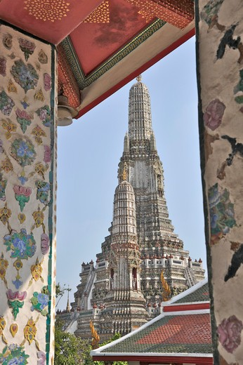 Stock Photo: 2003-602190 Temple viewed through a window, Wat Arun, Bangkok, Thailand