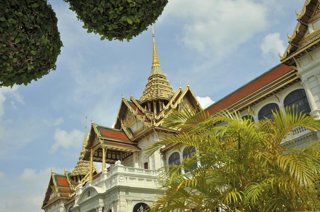 Stock Photo: 2003-602359 Architectural detail of a temple, Wat Phra Kaeo, Grand Palace, Bangkok, Thailand