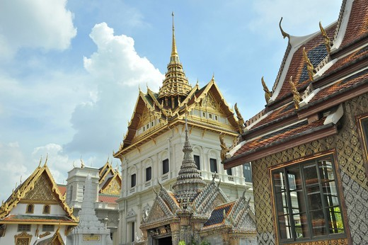 Stock Photo: 2003-602373 Architectural detail of a temple, Wat Phra Kaeo, Grand Palace, Bangkok, Thailand