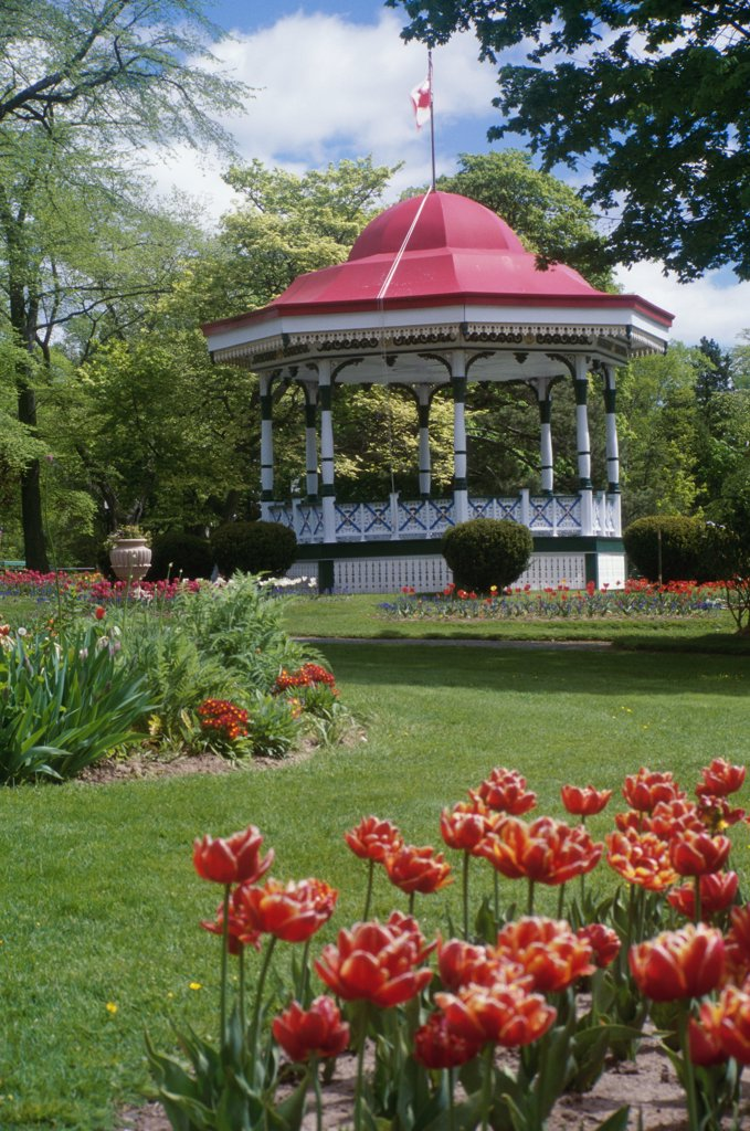 Stock Photo: 2005-1042 Halifax Public Gardens, Halifax, Nova Scotia, Canada