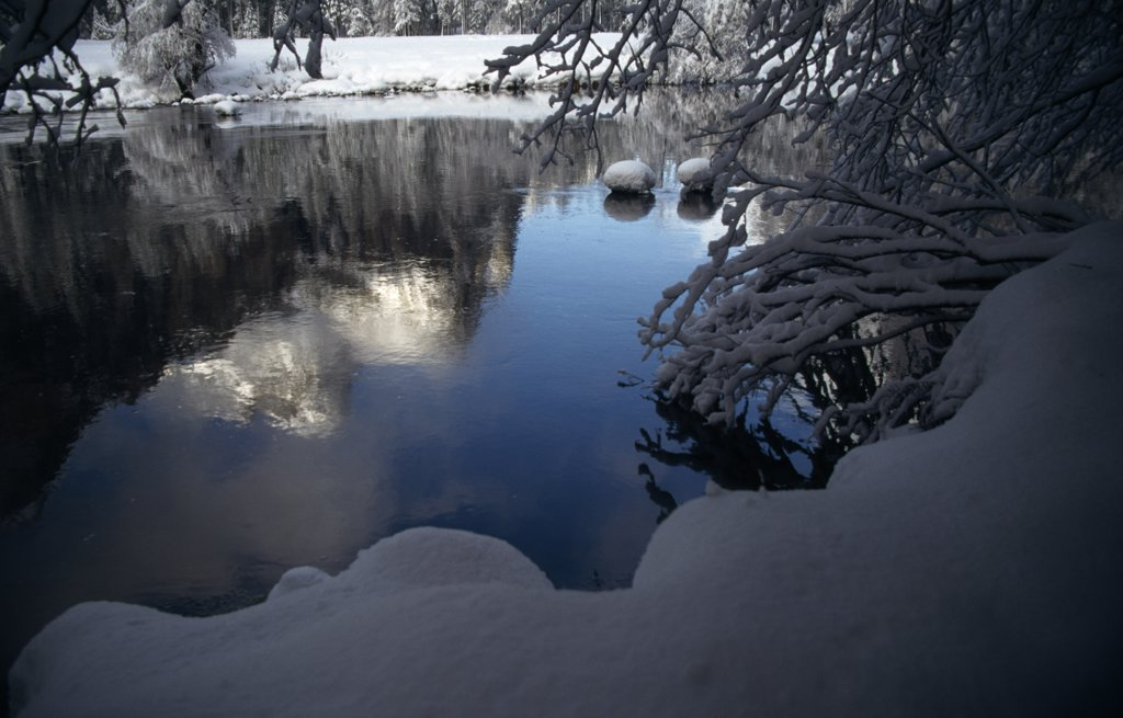 Stock Photo: 2005-1549 Bridal Veil Rocks Merced River Yosemite National Park California, USA