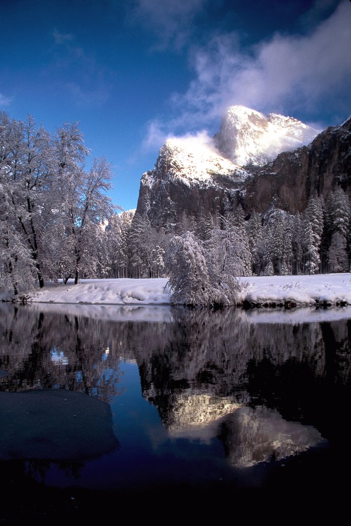 Stock Photo: 2005-594960 Bridalveil Rocks reflected in Merced River, Yosemite National Park, California