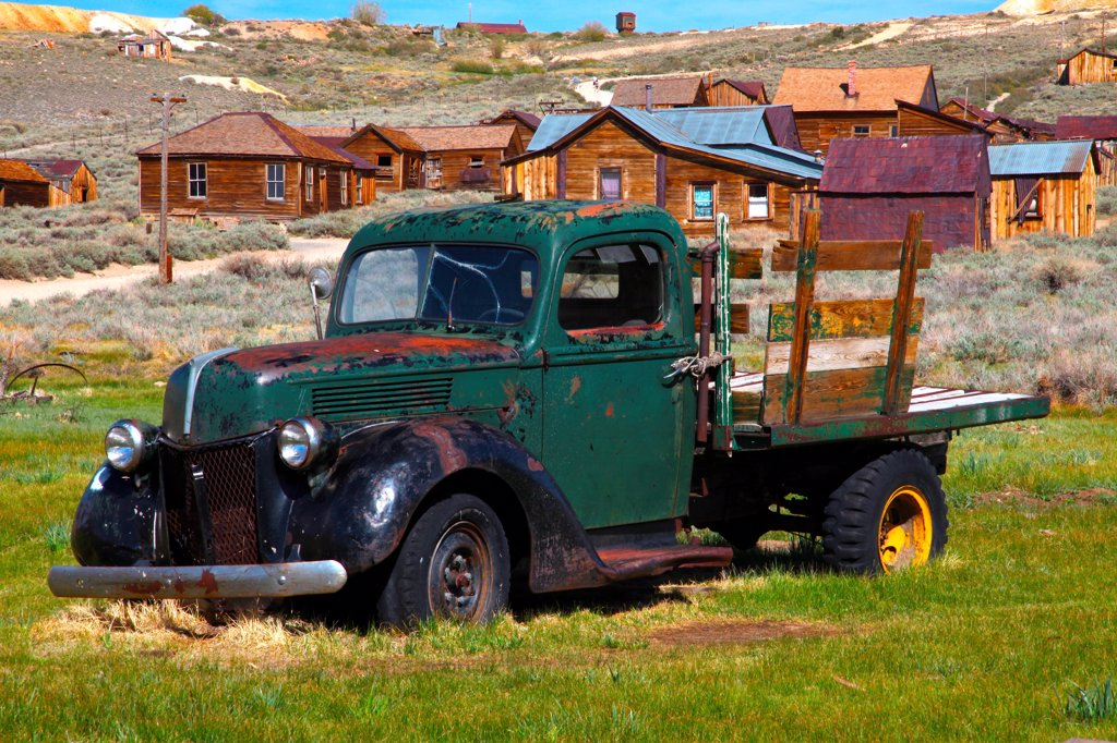 USA, California, Sierra Nevada, Bodie Ghost Town State Historical Park, Old Truck : Stock Photo