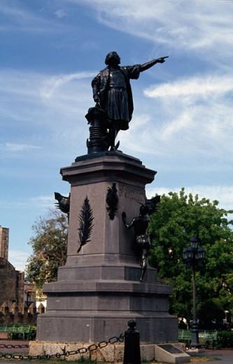 Stock Photo: 2014-504 Christopher Columbus Statue Columbus Park Santo Domingo Dominican Republic