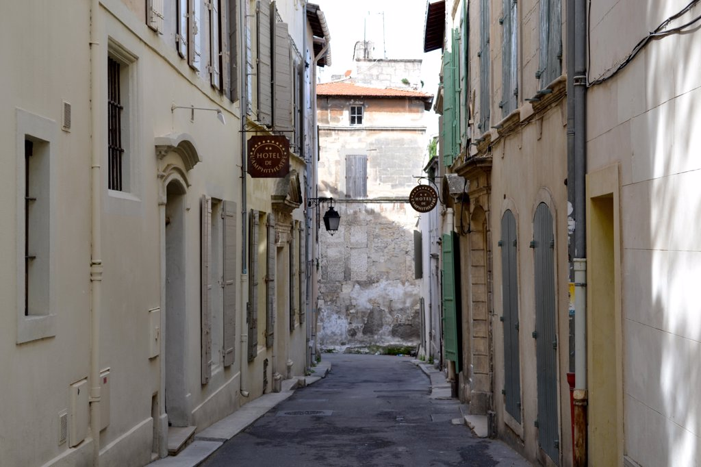 Stock Photo: 2026-602380 Houses along an alley, France