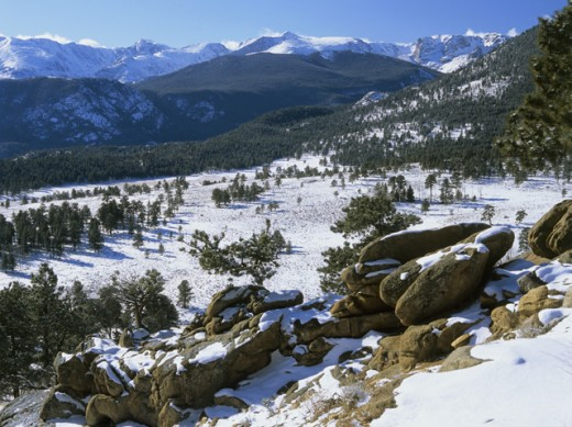 Stock Photo: 2030-1480 High angle view of rocks on a snow covered mountain, Rocky Mountain National Park, Colorado, USA