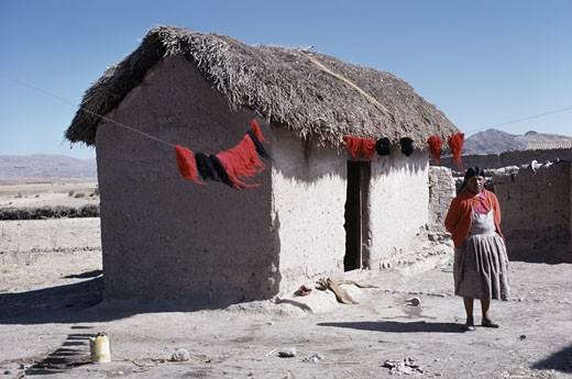 Stock Photo: 2032-494724 Campesino Woman Dying Wool