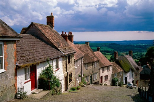 Stock Photo: 2039-618 Gold Hill and Blackmore Vale, Shaftsbury, Dorset, England