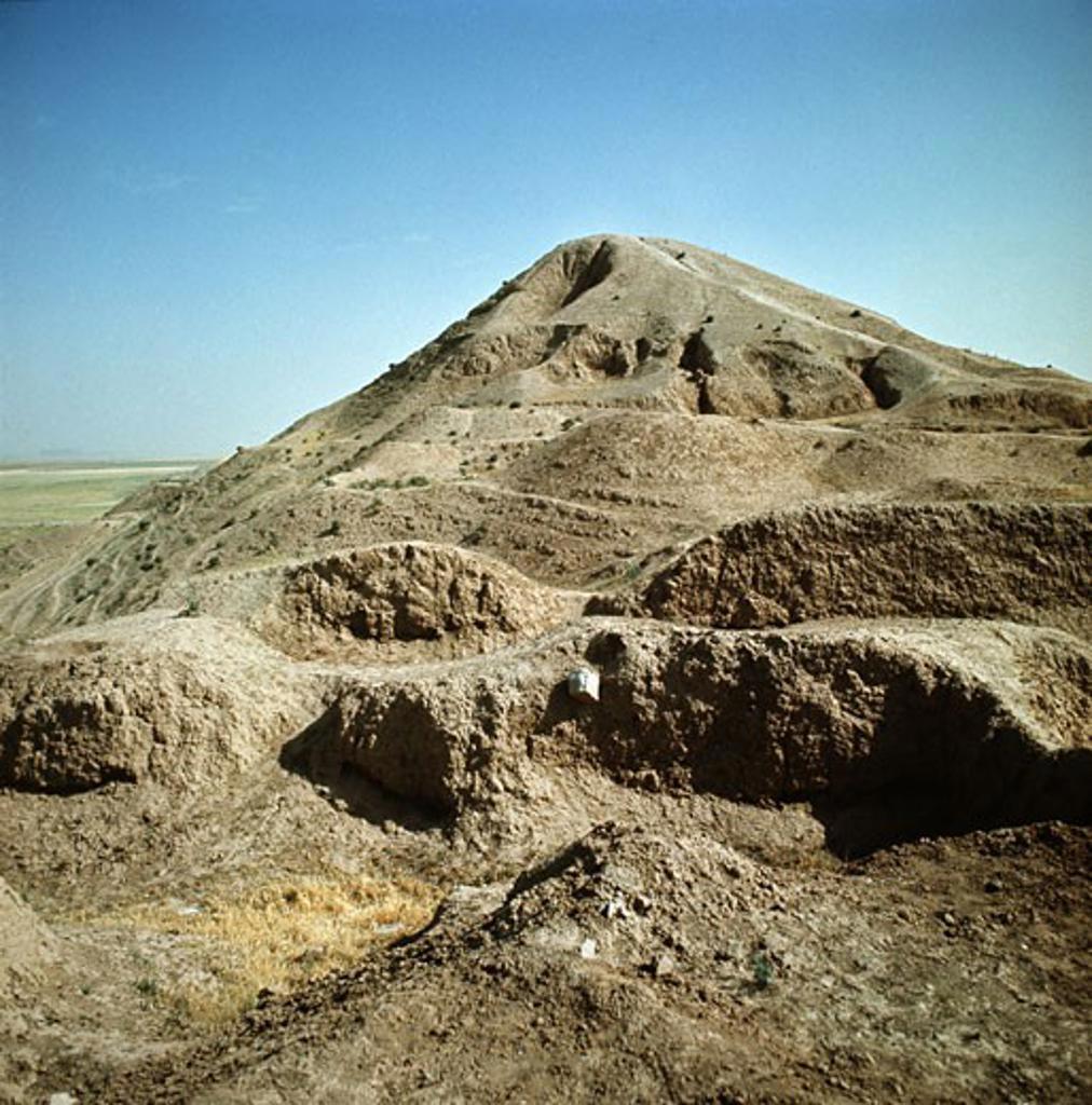 Stock Photo: 2102-473 Ziggurat Nimrud Iraq