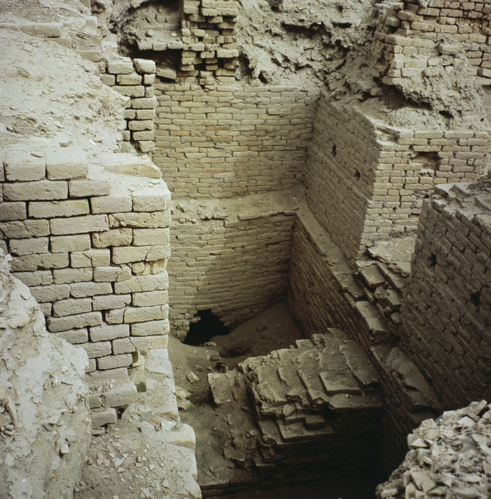 Stock Photo: 2102-487 Sumerian Palace Ruins