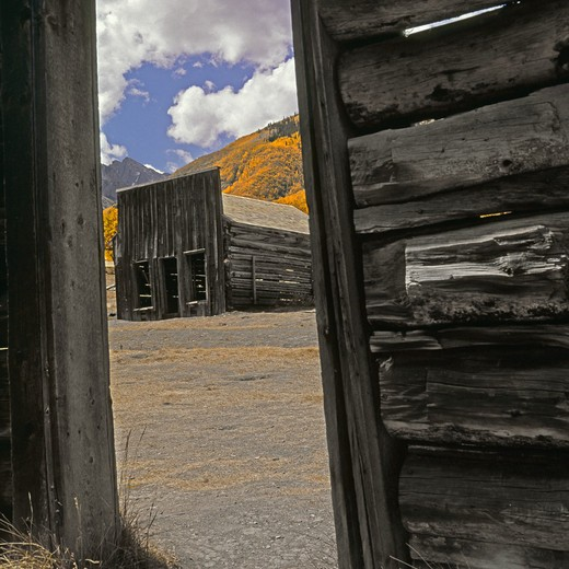Abandoned building in a ghost town, Ashcroft, Colorado, USA : Stock Photo