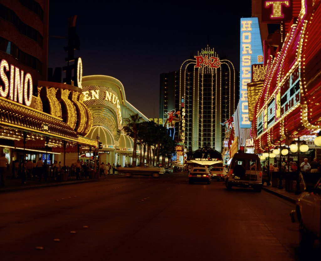 Stock Photo: 2112-721E Hotels and casinos lit up at night, Fremont Street, Las Vegas, Nevada, USA