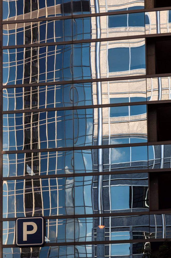 Stock Photo: 2117-588607 USA, Minnesota, Rochester, Parking ramp reflections