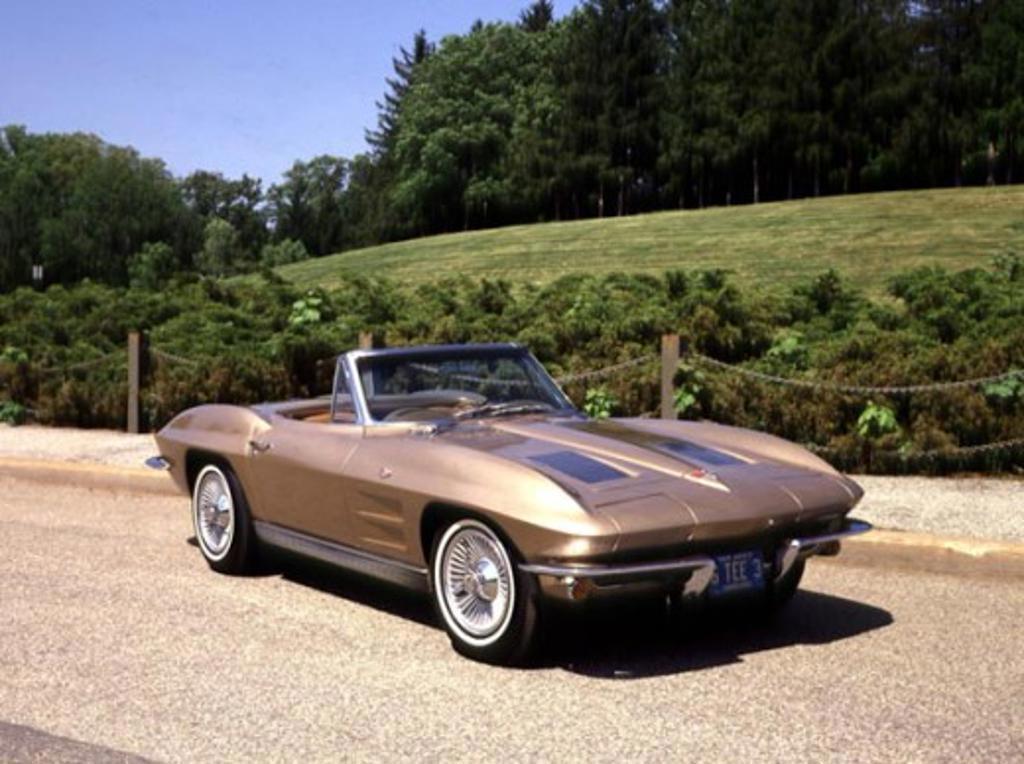 Stock Photo: 2134-144 1963 Chevrolet Corvette