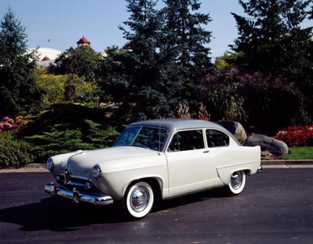 1951 Henry J : Stock Photo