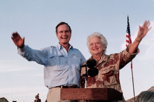 President George Bush & Barbara Bush, Thanksgiving Day Visit, Operation Desert Shield, Saudi Arabia : Stock Photo