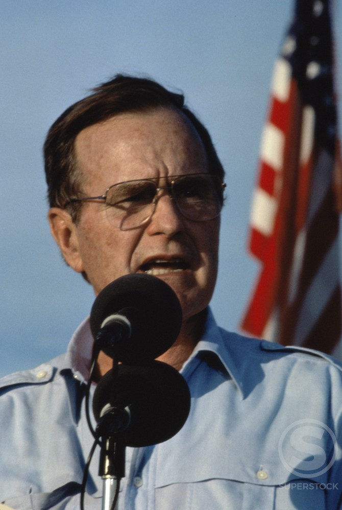 President Bush, Thanksgiving Day Visit to U.S. Troops, Operation Desert Shield, Saudi Arabia : Stock Photo