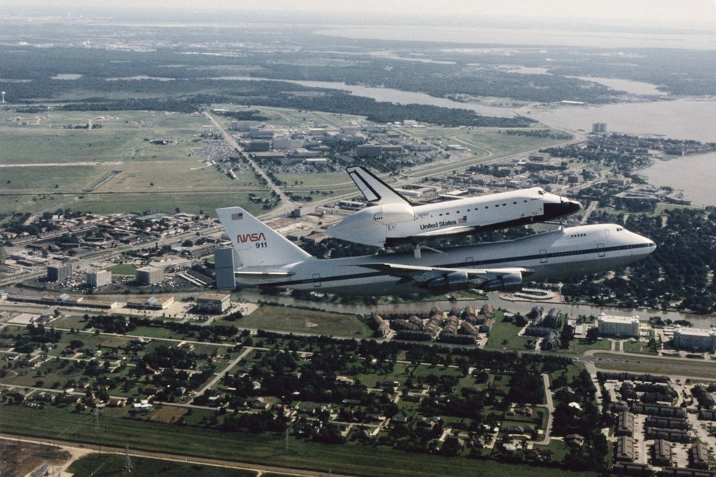 Stock Photo: 227-606 Space Shuttle Endeavour Atop NASA Shuttle Carrier Aircraft