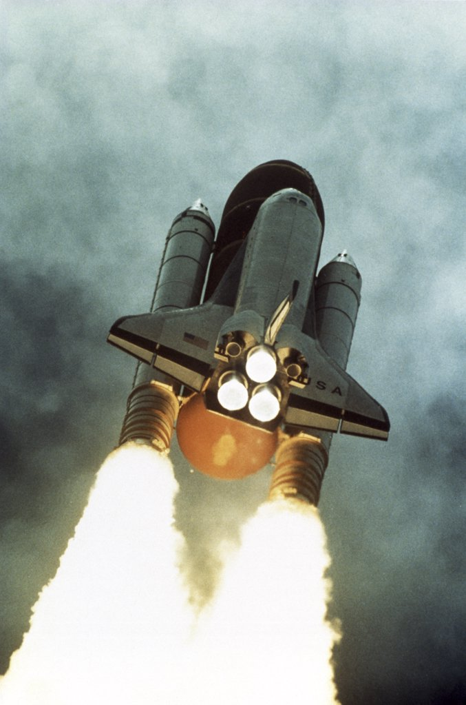 Stock Photo: 227-762 Space Shuttle Columbia LifT off on June 25, 1992 Kennedy Space Center Florida, USA