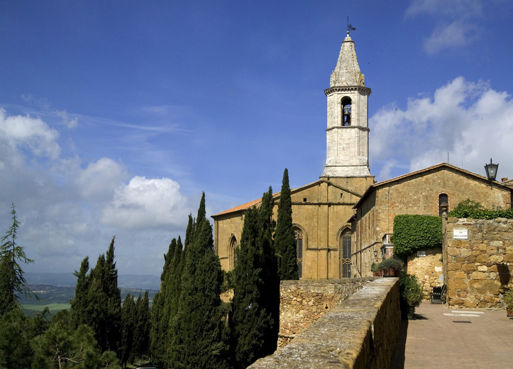 Stock Photo: 2324-155 Facade of a cathedral, Pienza, Italy