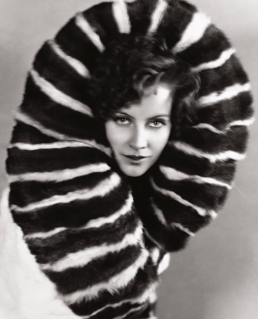 Stock Photo: 252-372 Greta Garbo