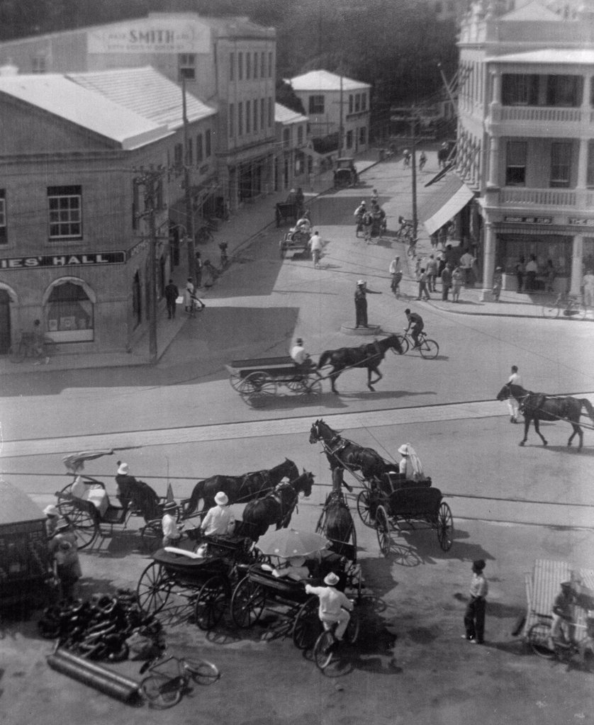 Stock Photo: 255-13483 USA, High angle view of carriages in town