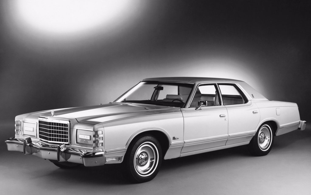 Stock Photo: 255-14121 1977 Ford LTD