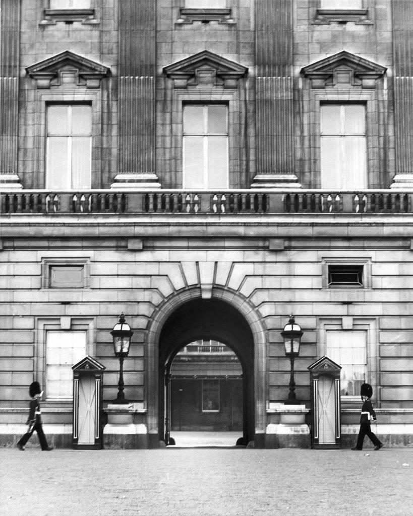 Stock Photo: 255-28322B Buckingham Palace London England