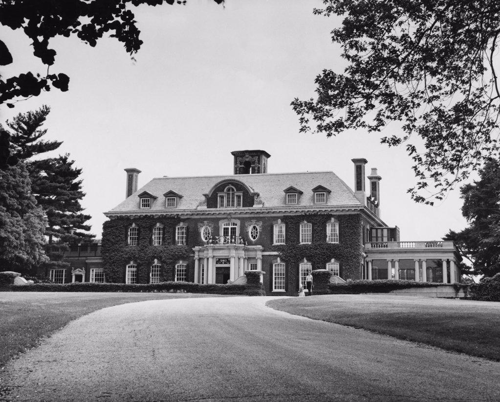 Facade of a mansion, Old Westbury Gardens, Long Island, New York, USA : Stock Photo