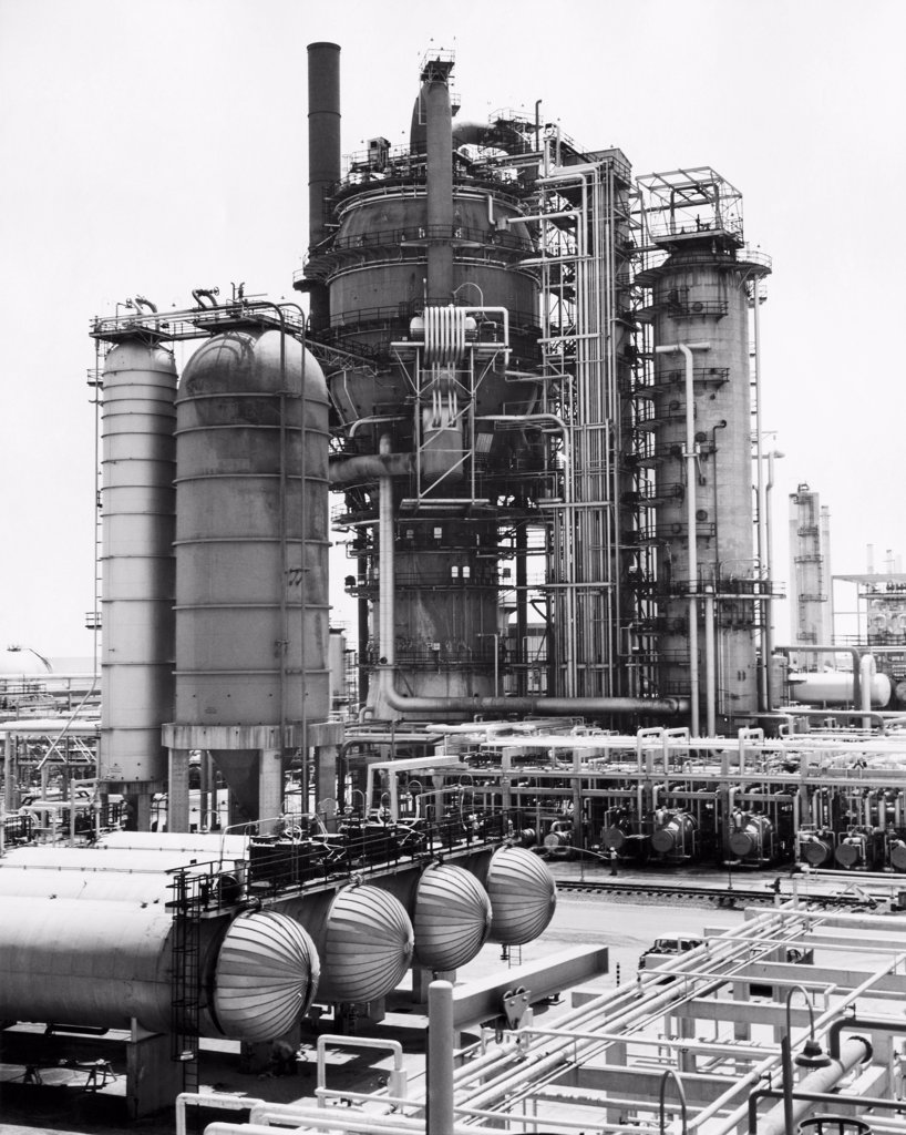 Stock Photo: 255-35022 Oil tankers at an oil refinery, Tidewater Oil Company, Delaware, USA