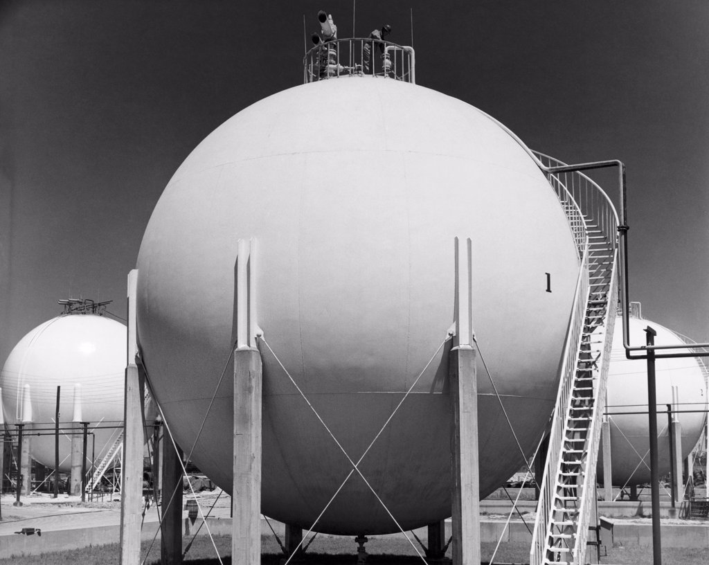 Horton Spheres at an oil refinery, Baton Rouge, Louisiana, USA : Stock Photo