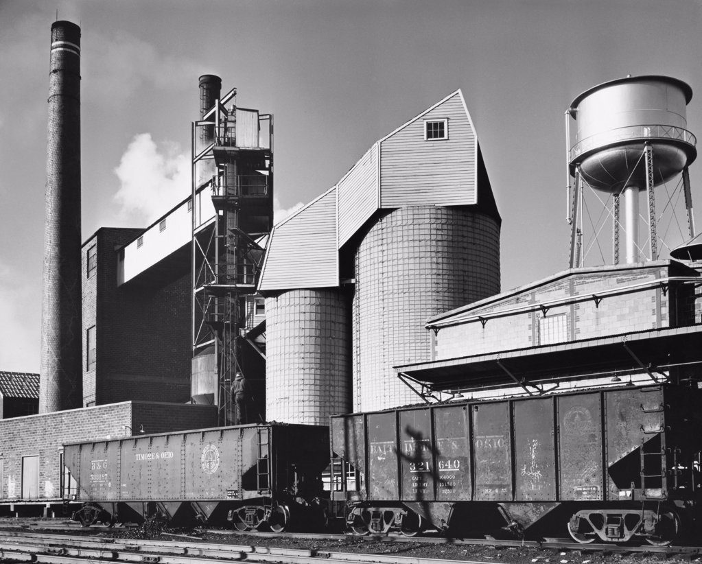 Stock Photo: 255-36848 Coal silo and conveyor belt of a paper mill