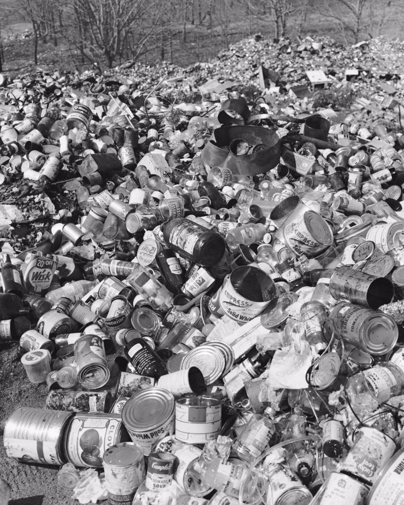 Stock Photo: 255-39616 Heap of garbage
