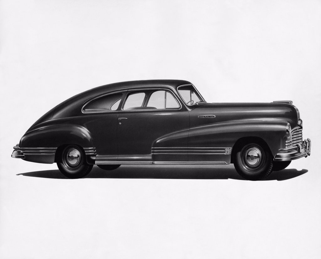 Side profile of a coupe, 1946 Silver Streak 2-DR : Stock Photo