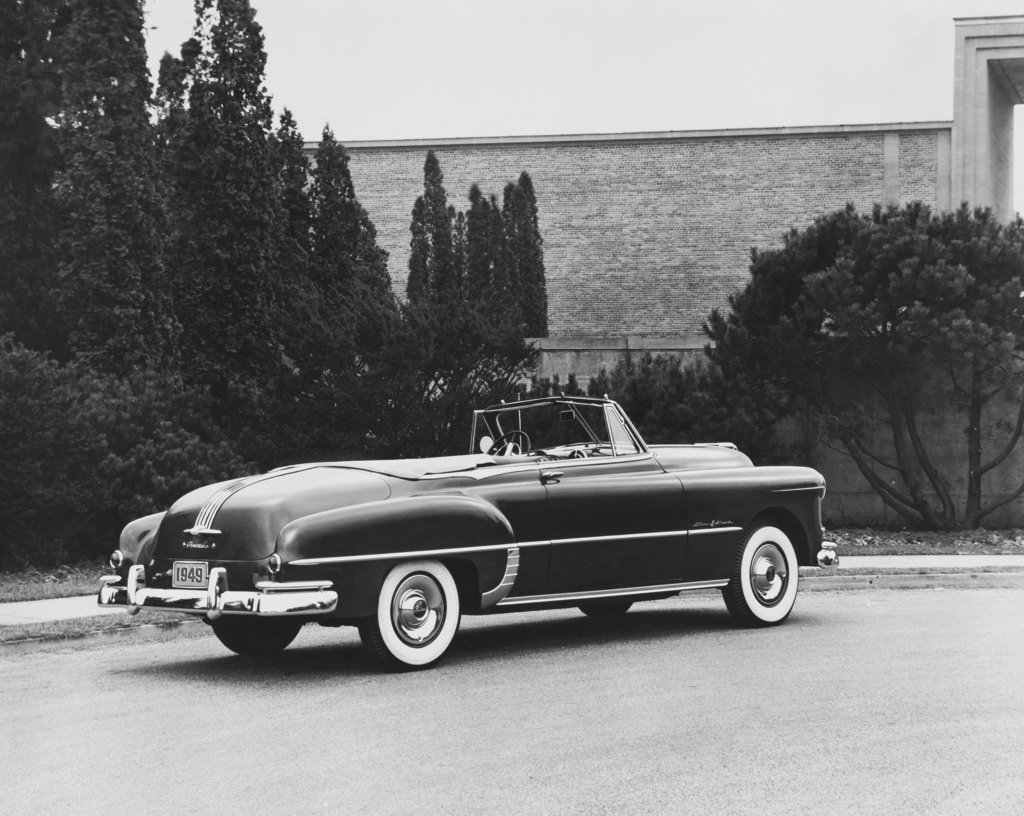 Stock Photo: 255-40133 1949 Pontiac Chieftain De Luxe Convertible