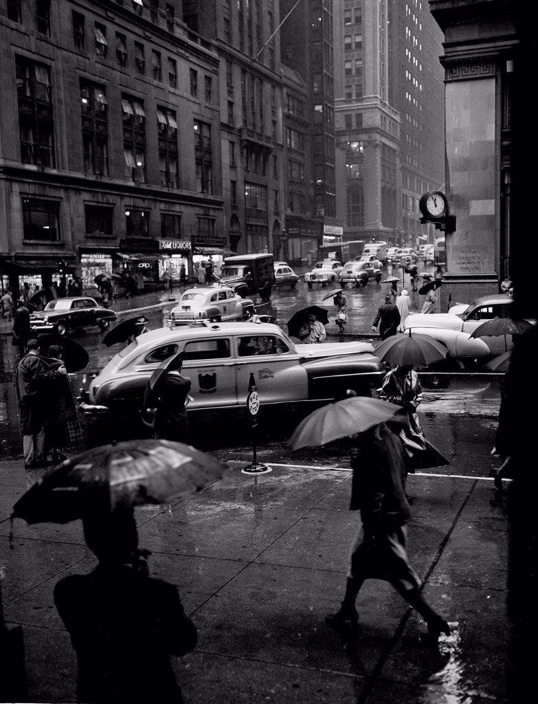 Stock Photo: 255-417454 USA, New York City, street scene on rainy day